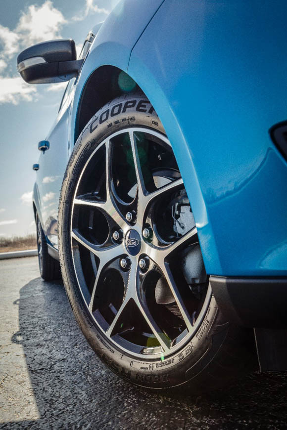 2015 FORD FOCUS ROUES