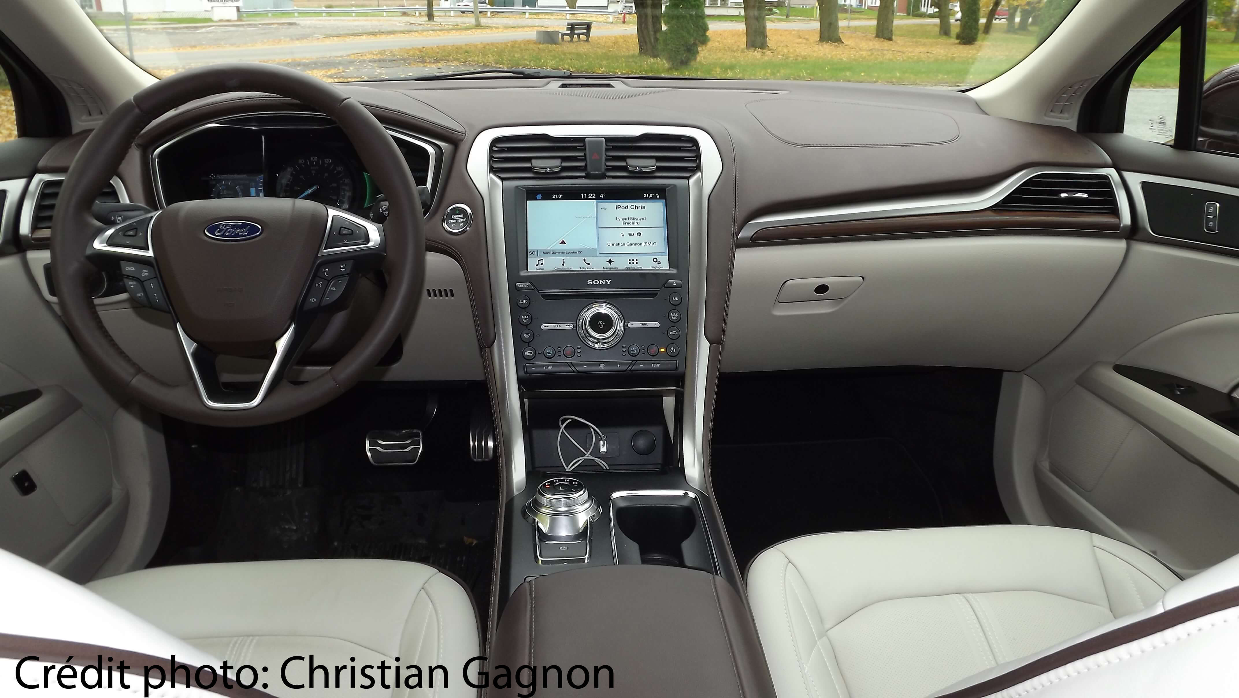ford-fusion-energi-interieur